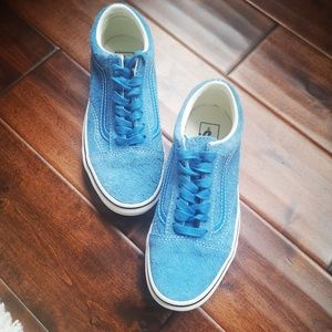 NWT VANS classic sneakers in suede leather